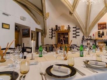 Im Gewölbe des Restaurant Dötzers in Bayreuth speist es sich vorzüglich.