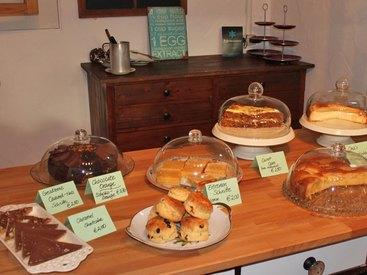 ...oder hausgemachte Kuchen, Torten, Scones, Flammkuchen und und und...