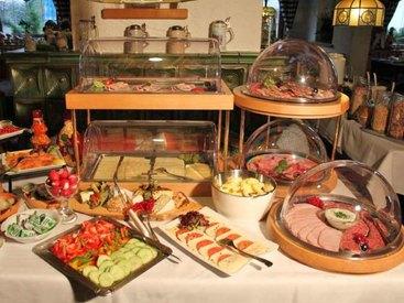 ...Frühstücksbuffet - für jedermann - auch für nicht Hausgäste!!!