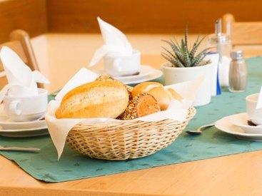 Pension zum Edlen Hirschen - Frühstück