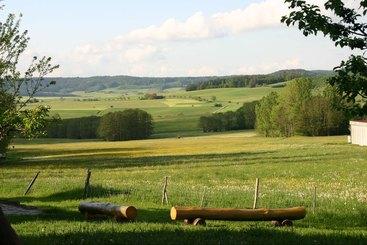 Unser Hofwiese mit dem tollen Ausblick - Natur pur!