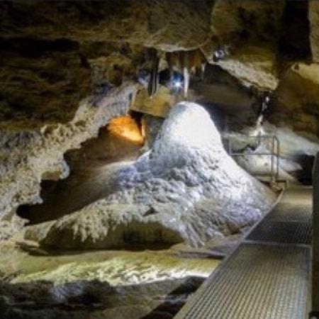 "Höhlenevent ""Sophie at Night""  in der Sophienhöhle nahe der Burg Rabenstein"