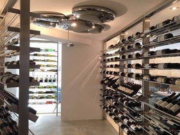 Eine große Auswahl an Weinen finden Sie in unserer neuen Viothèque
