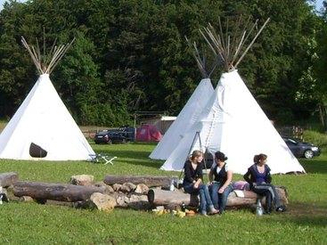 Campingplatz Betzenstein - Feuerstelle an der Zeltwiese