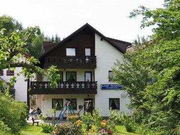 Cafe Pension Egerstau Sicht vom Garten
