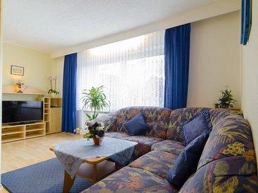 Wohnzimmer in der Ferienwohnung 2 im Fritzerhof in Kleingesee bei Gößweinstein in der Fränkischen Schweiz