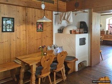 Allgäu Stüble - typische Allgäuer Stube mit Herrgottswinkel, gekalktem Ofen und einer Originalholzdecke aus dem Jahre 1860