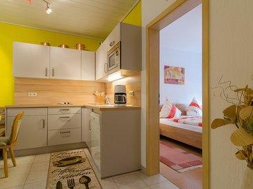 Moderne Küche mit Geschirrspülmaschiene