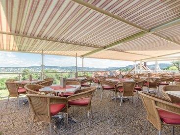 Terrasse mit tollem Weitblick - Cafe Schrüfer