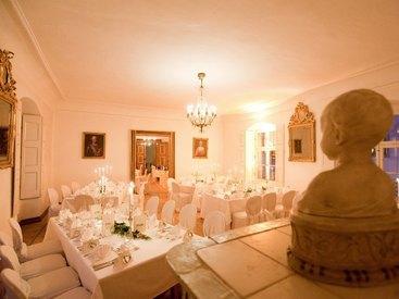 Festliches Abendessen in den Fürstenzimmern