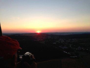 in den Sonnenaufgang ...