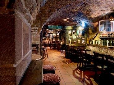 Liebe zum Detail bei der Einrichtung unseres Irish Pub