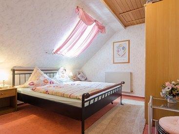 """Schlafzimmer """"Weihersbachtal"""""""