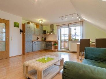 Ferienwohnung Grün Wohnzimmer mit Küche