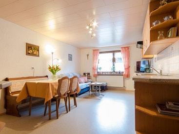 Große Wohnküche mit Essecke
