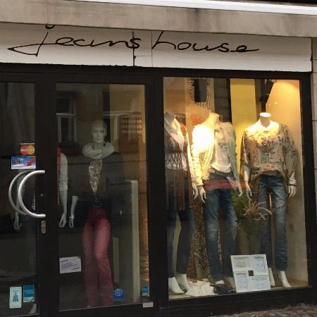 Jeans House Clausen GmbH