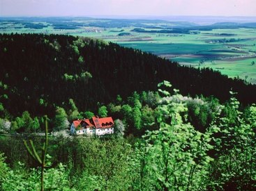 Der Schlossberghof auf der Fränkischen Linie