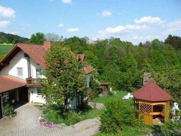 Ferienhof Hübner - 4 u. 5 Sterne-Ferienwohnungen