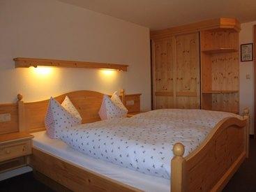 Übernachten Sie in unseren gemütlichen Doppelzimmern in der Falkenhütte