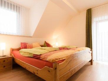 Schlafzimmer in der Ferienwohnung 4 im Fritzerhof in Kleingesee bei Gößweinstein in der Fränkischen Schweiz