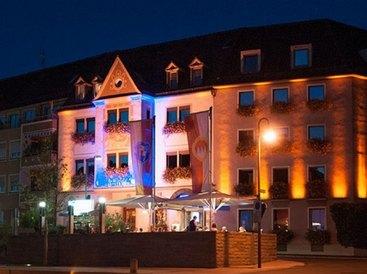 Hotel Restaurant Walfisch in Würzburg Panorama Terrasse  bei Nacht
