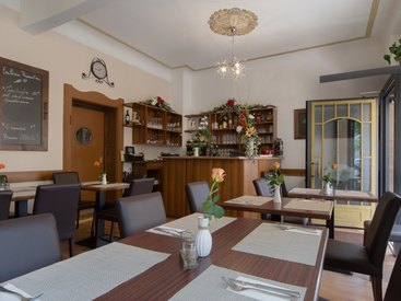 lichtdurchfluteter Innenbereich - Pizzeria Romantica