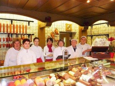 Wir bieten Fleisch- und Wurstwaren hochwertigster Qualität an.