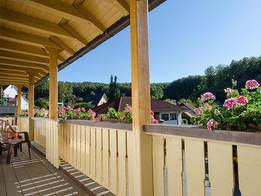 Gemütliche Sitzecke auf dem Balkon Fewo Bärenstein