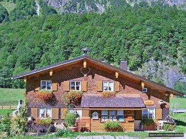Die Murmeleshütte im Trettachtal bei Oberstdorf im Sommer