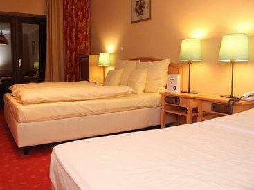 Unsere Zimmer: Berggasthof Adersberg mit Traumblick über den Chiemsee