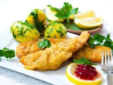 Essen im Berggasthof Adersberg mit Traumblick über den Chiemsee