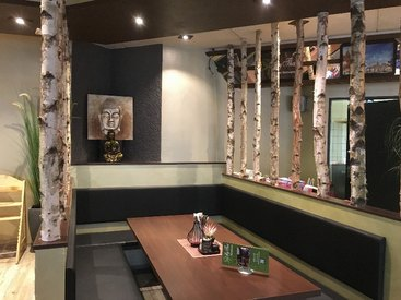 gemütliche Sitzecken - leckere Thai Küche genießen