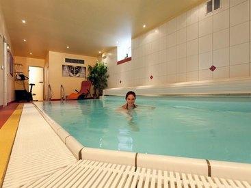 Hallenbad im  Hotel Goldner Stern in Muggendorf in der Fränkischen Schweiz