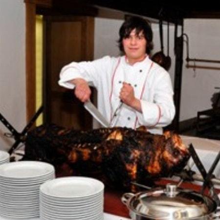 Pauschal Wildschwein-Grillbuffet im Rittersaal der Burg mit Übernachtung und Frühstück