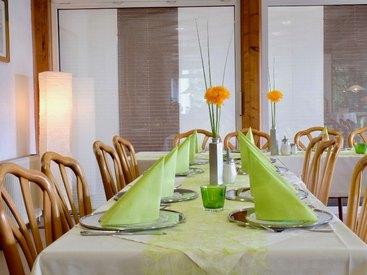 Familienfeiern & Firmenevents im Restaurant: Willkommen im Gasthof Opel in Himmelkron nahe der A 9 Berlin München