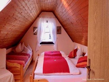 Ihr gemütliches Schlafzimmer in ihrer Ferienwohnung in Muggendorf