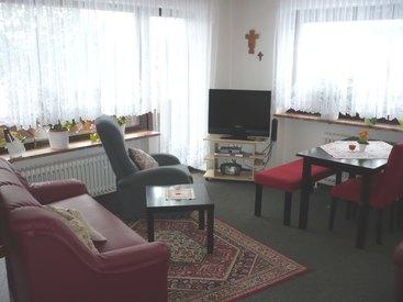 Wohnzimmer in unserer Ferienwohnung in Fichtelberg