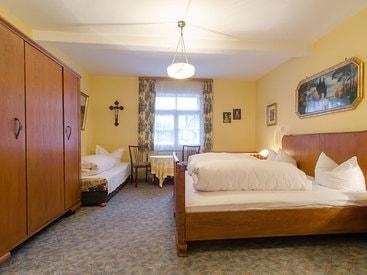 nostalgisches Doppelzimmer im Hotel Krone in Gößweinstein
