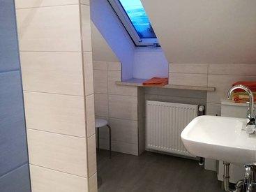 Modernes Badezimmer in unserer Dachgeschosswohnung / Ferienwohnung 3