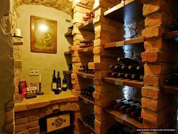 Weinkeller mit Weinen aus aller Welt, Zigarren aus Cuba, der DomRep und Nicaragua, Whiskey und Rum aus aller Welt