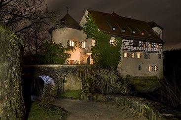 Burg Rabenstein bei Nacht