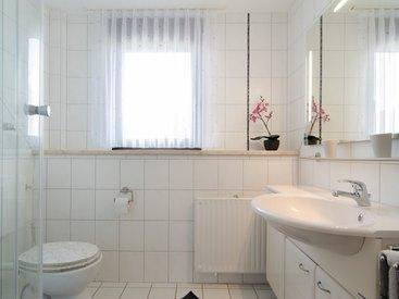 Badezimmer in der Ferienwohnung 4 im Fritzerhof in Kleingesee bei Gößweinstein in der Fränkischen Schweiz