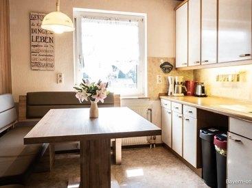 Willkommen in unserer Ferienwohnung 1 in Gößweinstein - Wohnküche