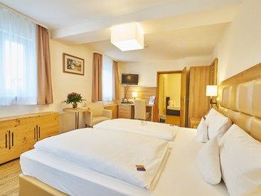 Dreibettzimmmer im  Hotel Goldner Stern in Muggendorf in der Fränkischen Schweiz