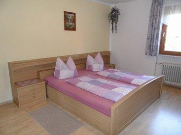 Ferienwohnung unten, Doppelbettschlafzimmer