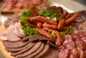 Thüringer Wurstspezialitäten am Frühstücksbüffet