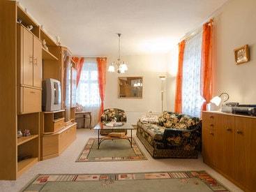 Wohnzimmer im Appartment Gästehaus des Hotels Krone in Gößweinstein