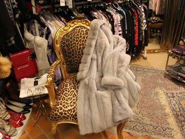 Jacken mit Pelzbesatz und Pelze bei Modetreff Marlies in Oberstaufen