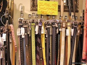 Gürtel mit Swarovski-Steinen in vielen Farben und Längen bei Modetreff Marlies in Oberstaufen