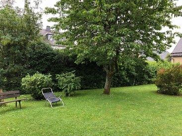 Der große Garten unseres Gasthauses ist im Sommer besonders schön!